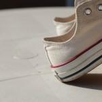 雨で濡れた靴の臭いの対処法!早く乾かす方法と防水スプレー活用法!